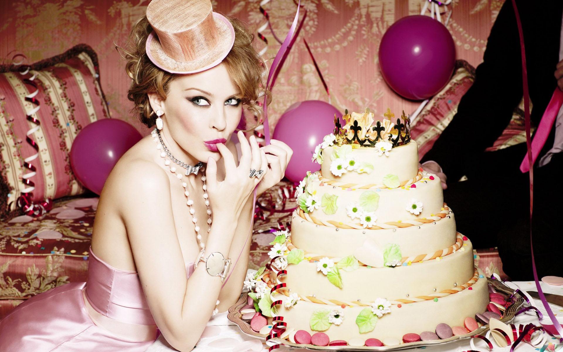 Открытка торт и женщина 216
