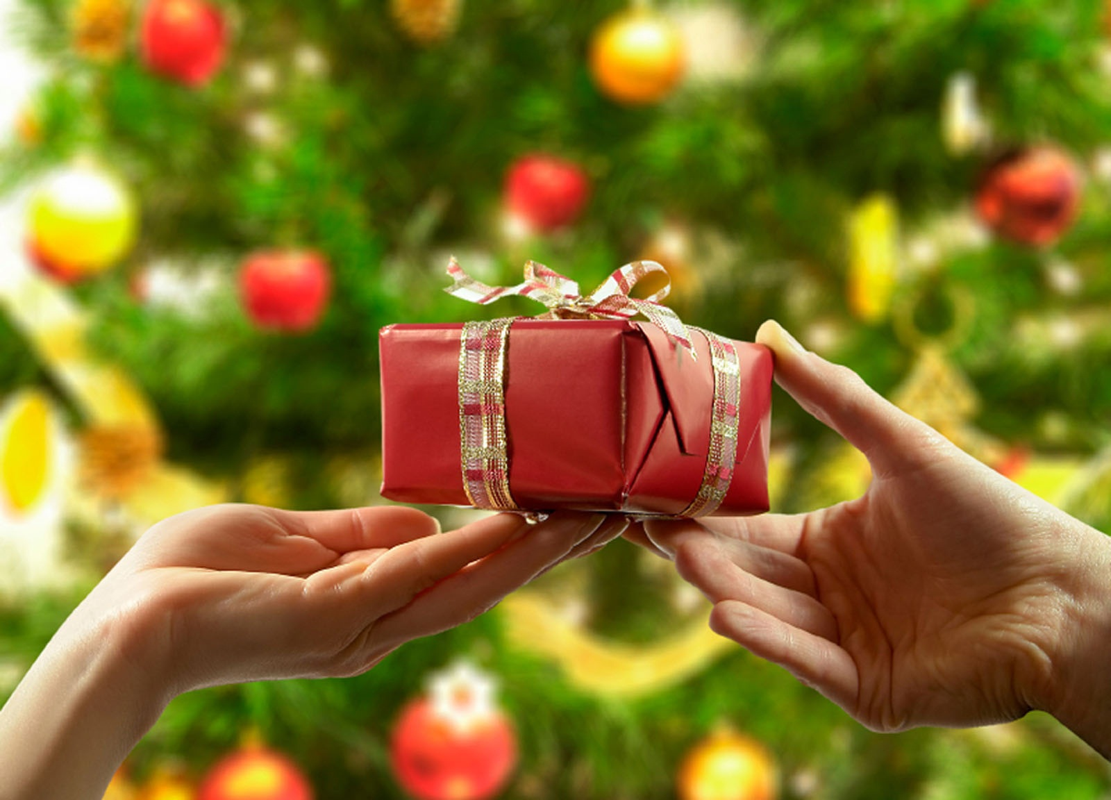 Как сделать подарки близким на новый год