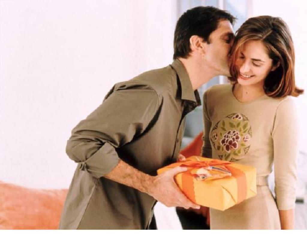 Что сказать мужчине даря ему подарок