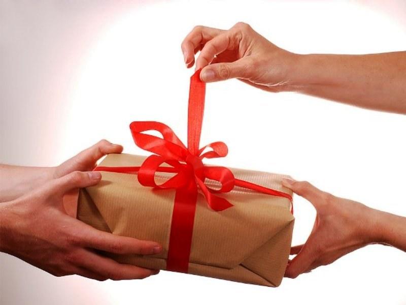 Подарить бабушке на день рождения