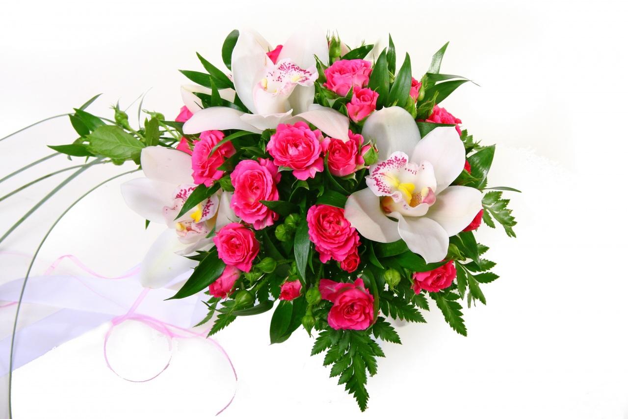 Букет розы и орхидея фото