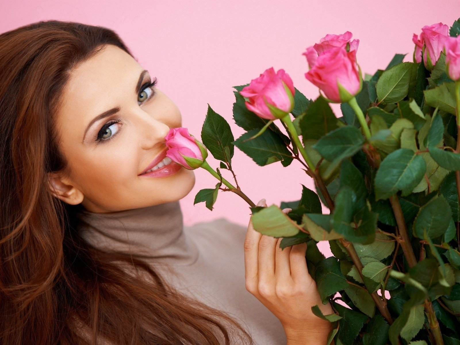 Цветы открытки с девушками