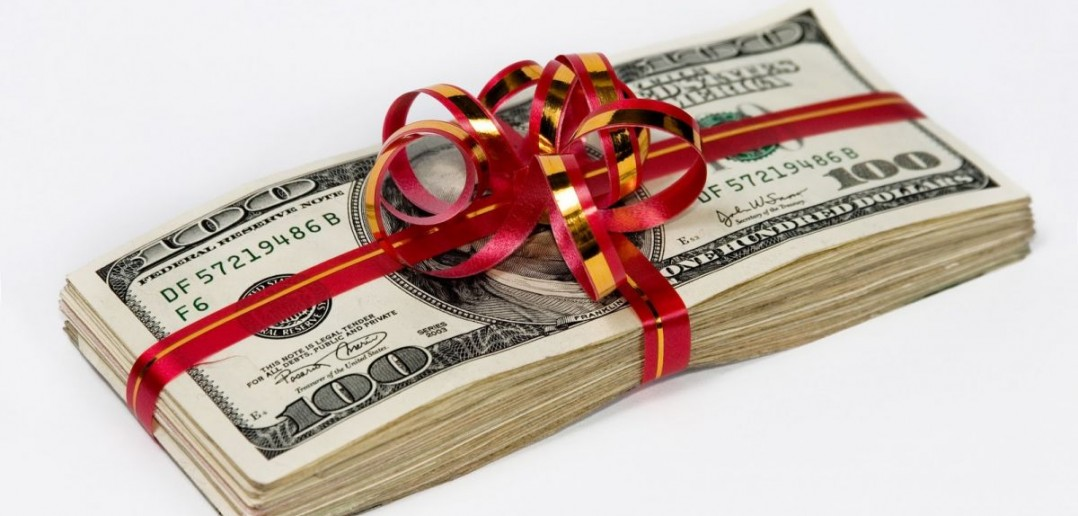 Деньги получать в подарок сонник