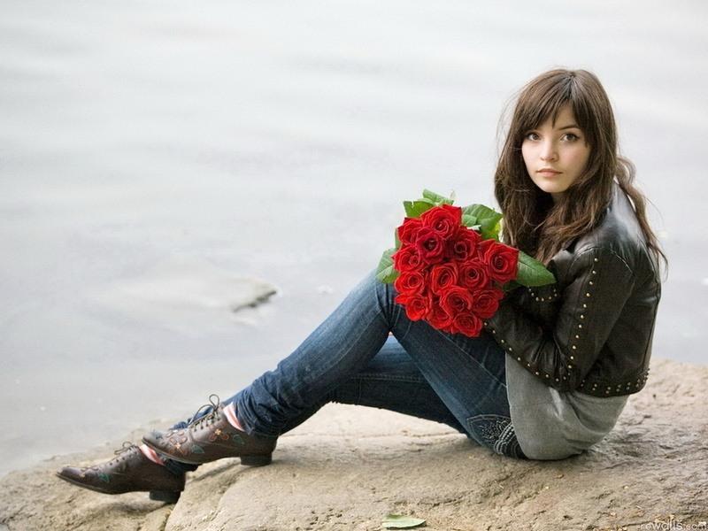 Что можно подарить девушке вместо цветков