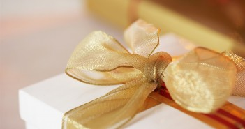 Какой подарок подарить мужчине на 50 лет