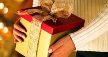 Что можно подарить куму на день рождения