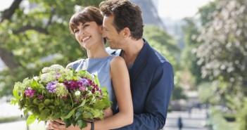 Что нужно дарить девушке на месяц отношений