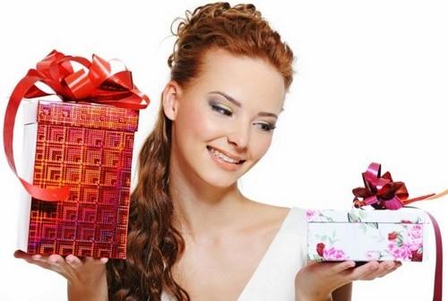 Что можно подарить коллеге женщине на день рождения