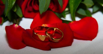 Что дарят юбилярам на золотую свадьбу
