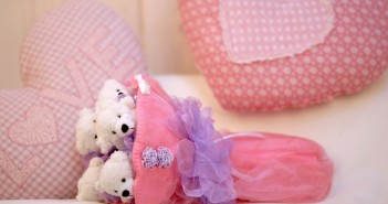 Что надо дарить на розовую свадьбу
