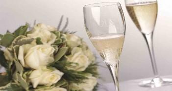 Что нужно дарить на хрустальную свадьбу