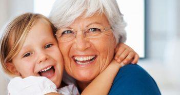 Что дарят бабушки на крестины внучки?