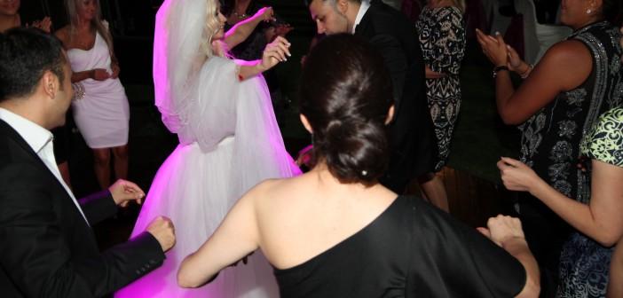 Что принято дарить родителям жениха на свадьбе
