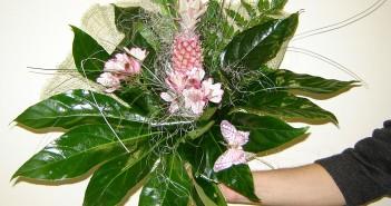Какие цветы можно подарить мужчине на юбилей