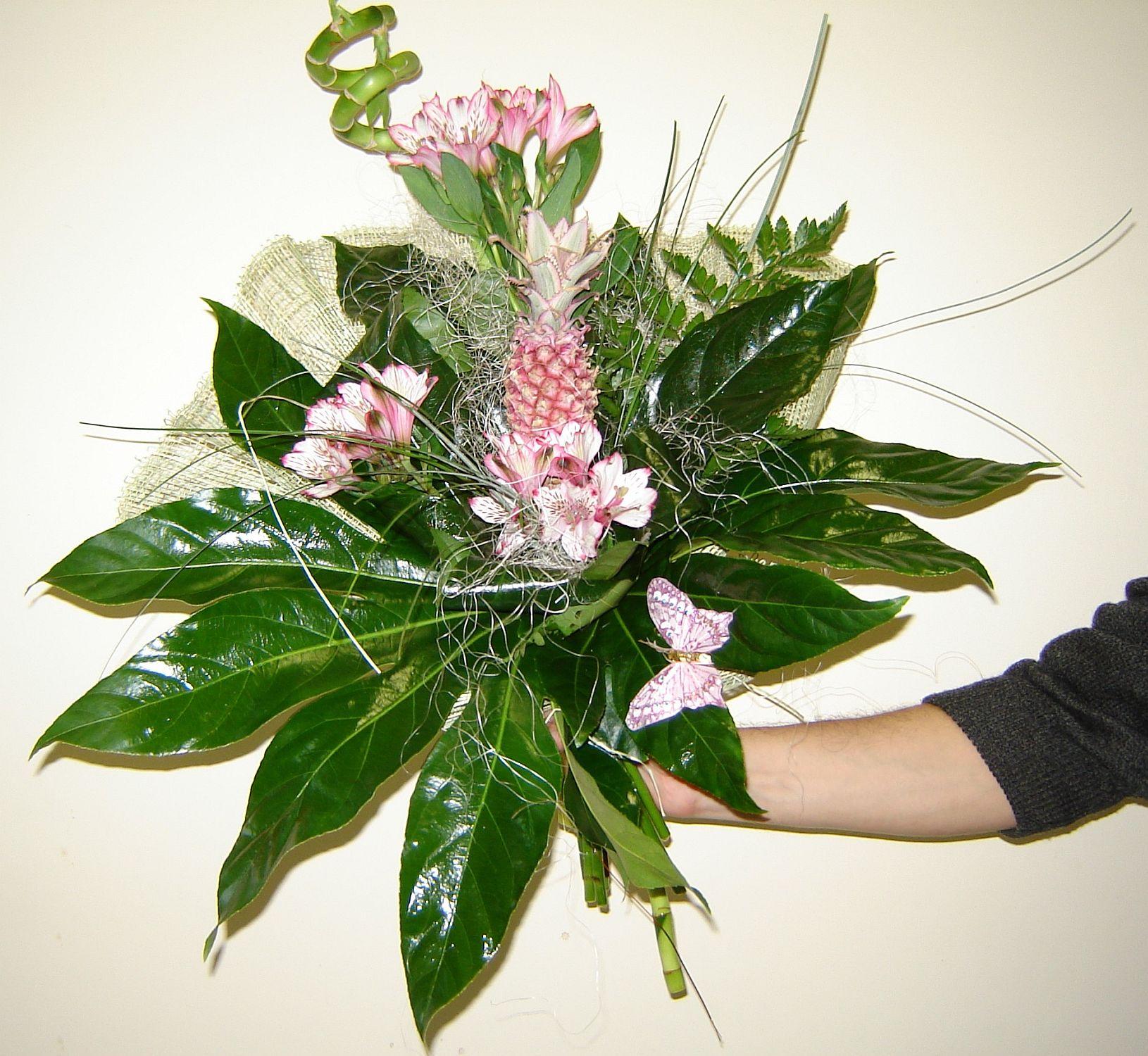 Букет цветов на мужской юбилей