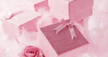 Почему нельзя дарить заранее подарки