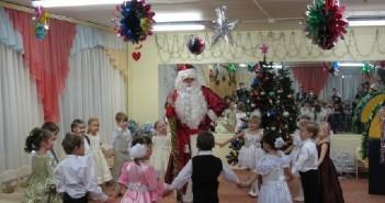 Сценарий новогоднего утренника в детском саду