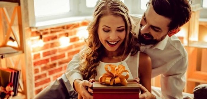 Подарок женщине на 33 года