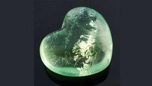 Сердечко из камня, фото
