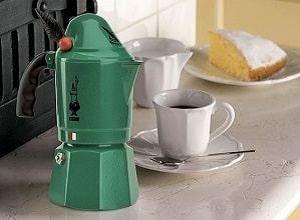 Гейзерная кофеварка, фото