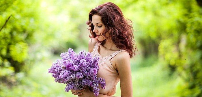 Женщина с цветами, фото