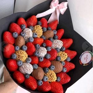 Букет из фруктов или сладостей
