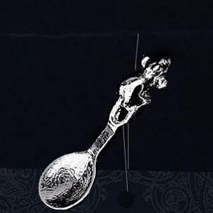 Серебряная ложка-загребушка с мышью, фото
