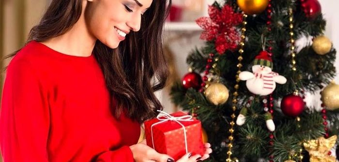 Новогодний подарок женщине, фото