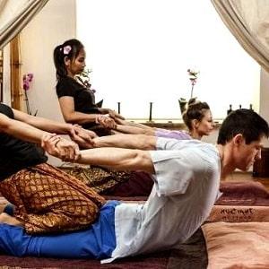 Сеанс тайского массажа, фото