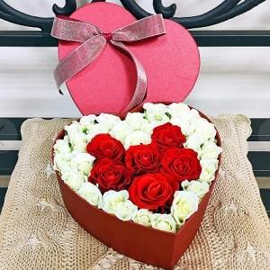 Сердце из роз в коробке, фото