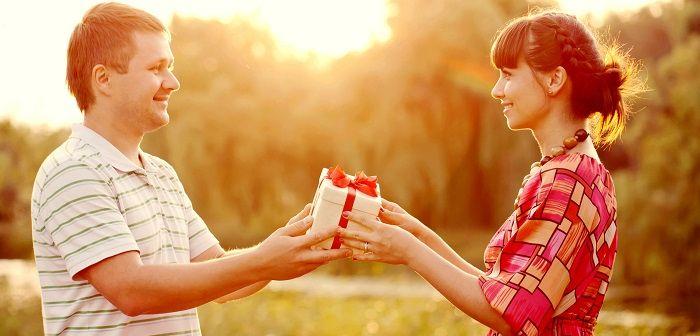 Что подарить мужчине на 30 лет? Идеи прикольных и оригинальных подарков на 30-летие. Что можно сделать на день рождения любимому мужу своими руками?