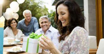 Подарок женщине на 50-летие, фото