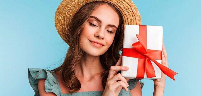 Недорогой подарок девушке на месяц отношений, фото